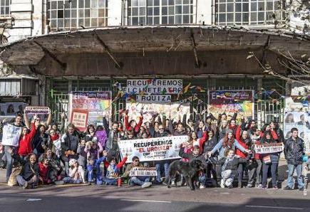 Demandan a integrantes de la Asamblea de Vecinxs en Defensa del Cine Teatro Urquiza