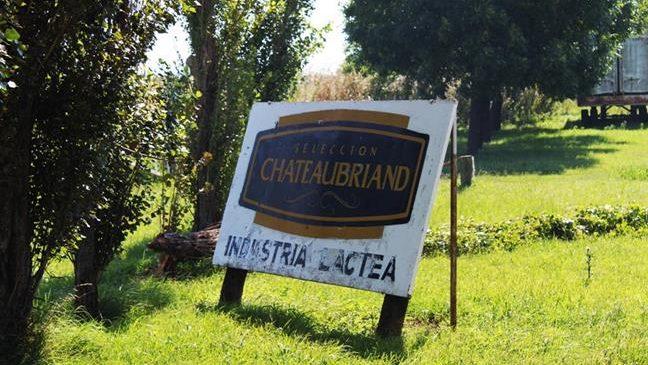 Seis meses del cierre de Chateubriand: sigue el acampe, sin respuestas