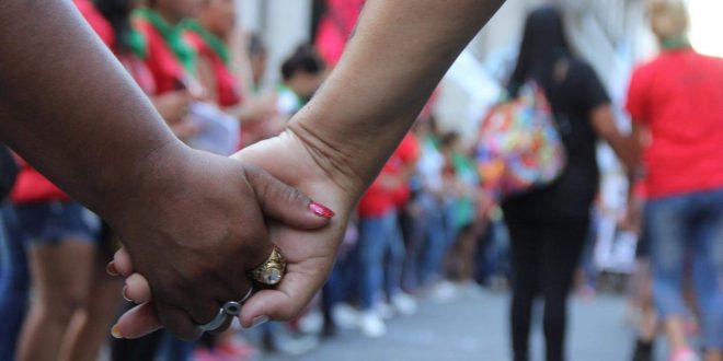Lesbo-odio: Tercer ataque a una compañera de La Tribu