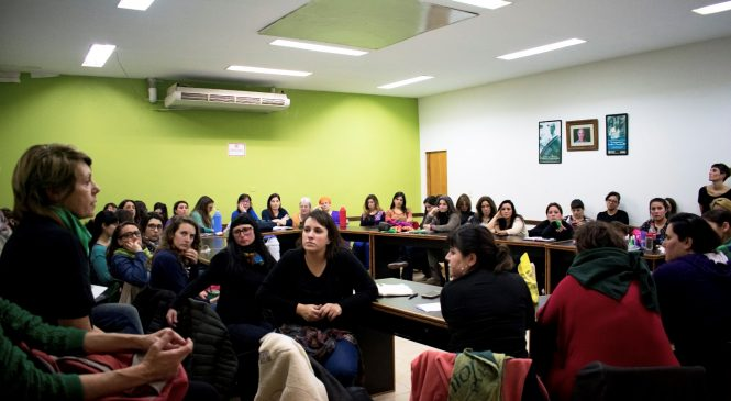 Afiliadas a ATE impulsan pañuelazo a la CTA Autónoma