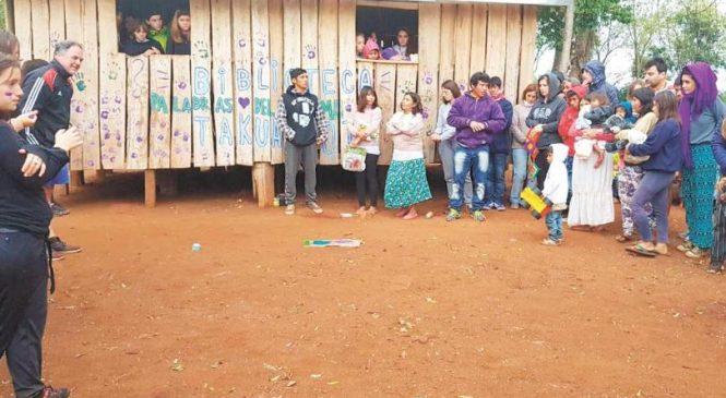 Misiones: la aldea Takuá Poty abrió su biblioteca