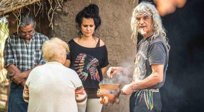"""""""Los ancestros nos acompañan y nos ayudan"""""""