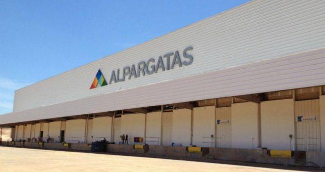 Alpargatas pone plantas a la venta y, en caso no tener comprador, las cierra