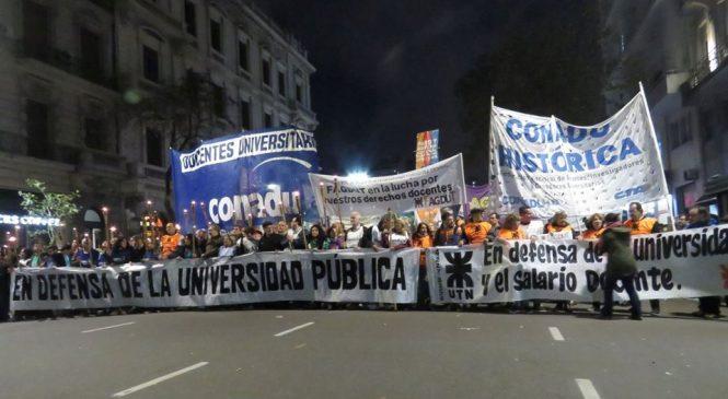 Huelga docente universitaria: el gobierno acepta llamar a reunión paritaria pero la docencia ratifica la continuidad de la lucha