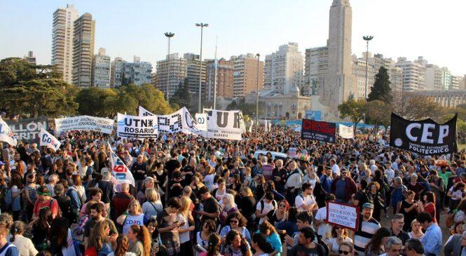Asistencia perfecta: marcha en defensa de la educación pública