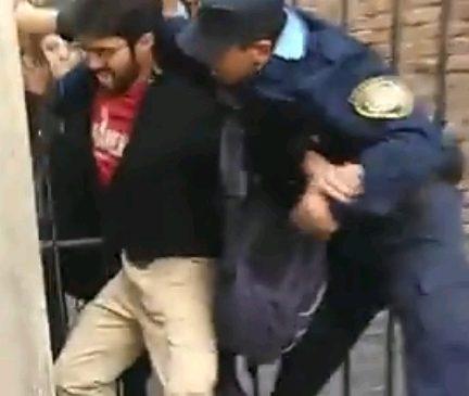Córdoba: así reprimió a una asamblea la policía en la Facultad de Derecho