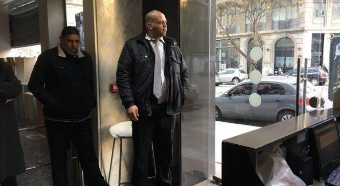 Télam: a pesar de amanecer con puertas bloqueadas, sus trabajadores lograron entrar