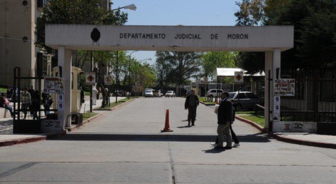 11 policías y una mujer otra vez en el banquillo de los acusados