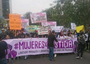 Perú marcha contra violencia machista y corrupción judicial