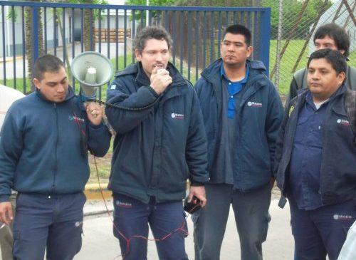 Metalúrgicos aislados por discriminación sindical