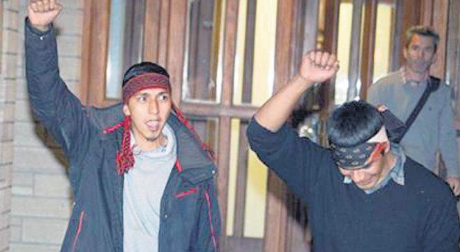 La persecución a los mapuches: ordenan detener a los dos jóvenes que bajaron el cuerpo de Rafael