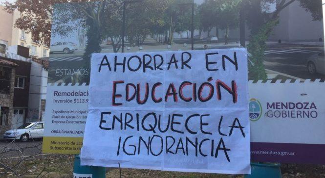 Paro de la Universidad Nacional de Cuyo y contundente apoyo estudiantil