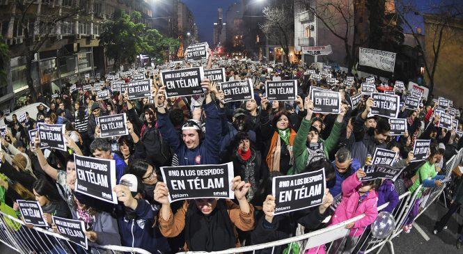 Todos los bloques parlamentarios exigen una solución al gobierno por los despidos en Télam