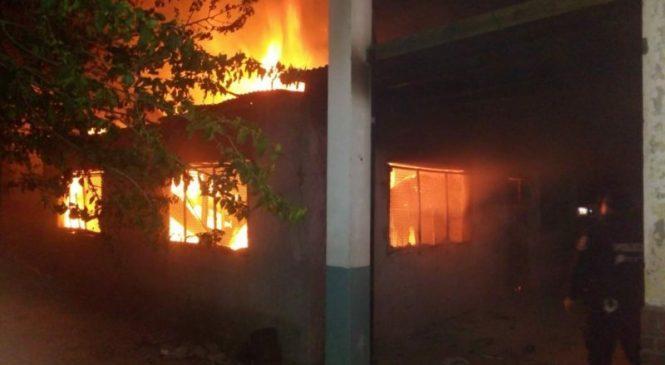 Un nuevo incendio en una escuela en Moreno