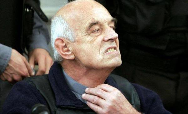 Organismos de DDHH solicitan la expulsión de Von Wernich de la Iglesia Católica
