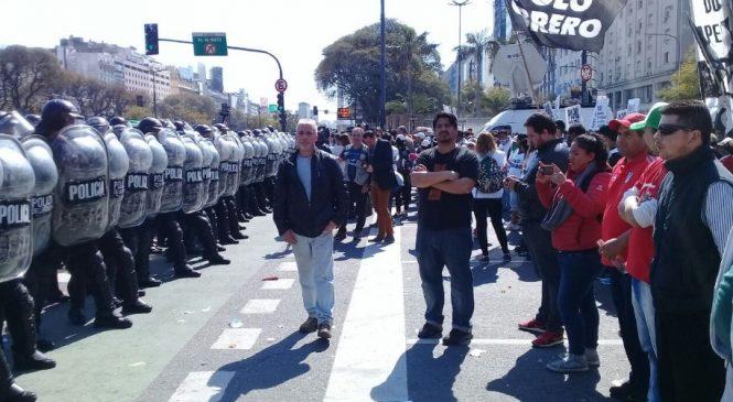 """""""El gobierno solo tiene la represión para responder al reclamo social"""""""