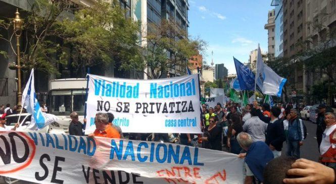 Trabajadores viales lanzan una marcha federal contra el desguace del organismo