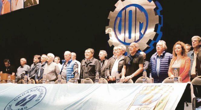 """Superjueves sindical: vuelven hoy a medir fuerzas """"gordos"""" de CGT y Moyano en la previa al paro del 25"""