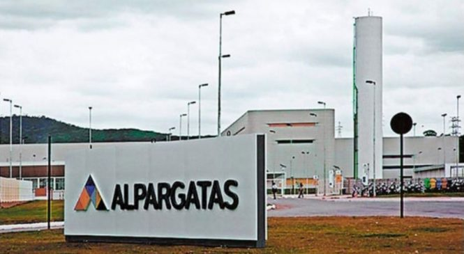La textil Alpargatas despide a 500 trabajadores de su fábrica de Tucumán