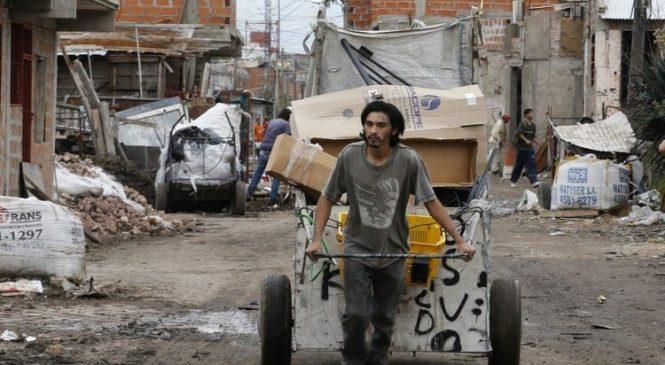 """CPM: """"La pobreza y la represión amenazan la democracia"""""""