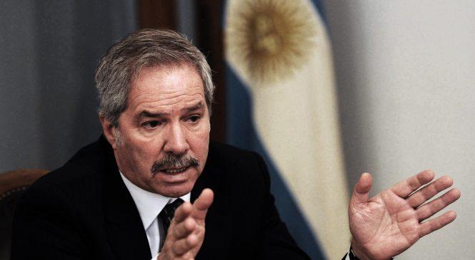 Aunque involuntariamente, Felipe Solá confesó su responsabilidad en los asesinatos de Darío Santillán y Maxi Kosteki