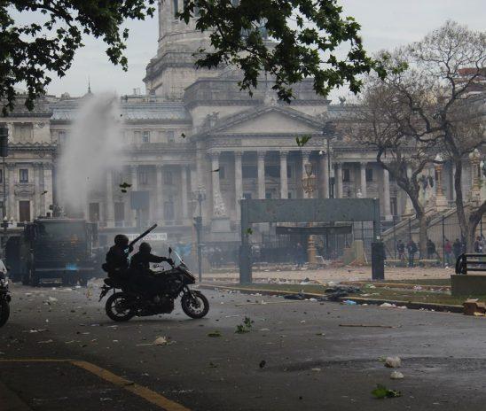 Presupuesto 2019: brutal represión contra la protesta