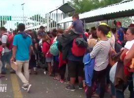 """La caravana de migrantes pone de manifiesto """"la urgencia de un cambio en las políticas de EE.UU. en Centroamérica"""""""