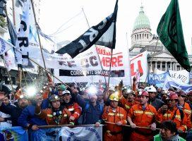 Mineros de Río Turbio en el acampe de la CTA autónoma contra el presupuesto