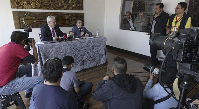 """Julian Assange demandó a Ecuador por """"amordazamiento y aislamiento"""""""