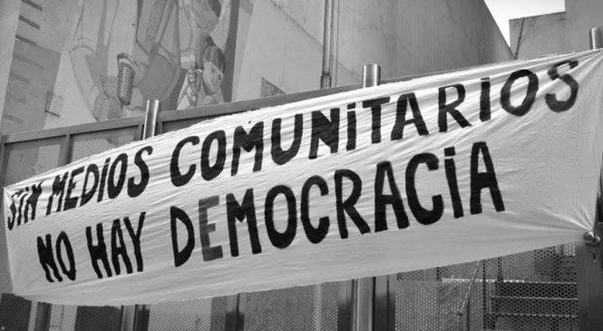 Hostigan a una comunicadora popular de FM La Caterva