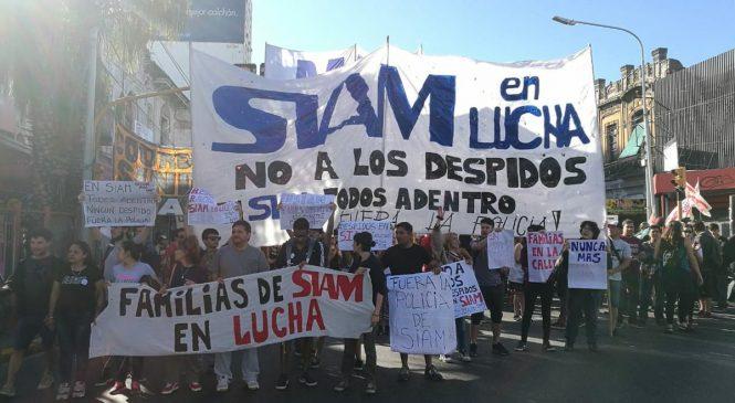 Despedidos de SIAM realizaron un corte para reclamar reincorporaciones