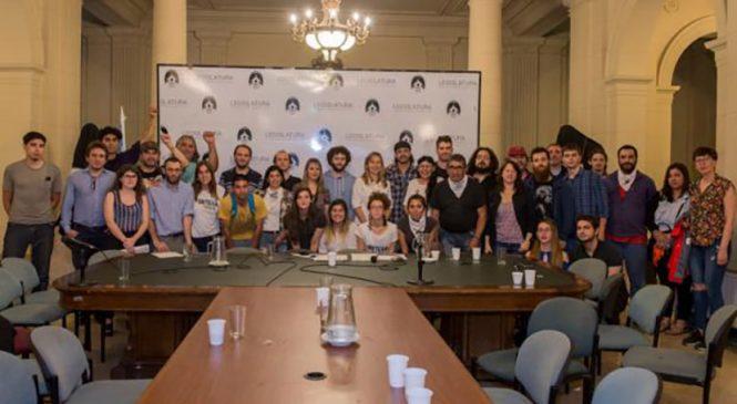 El SiPreBA denunció en la Legislatura la violencia policial contra la prensa