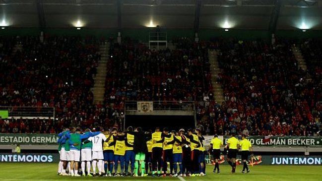 Jugadores de la selección chilena hicieron minuto de silencio en memoria de Camilo Catrillanca