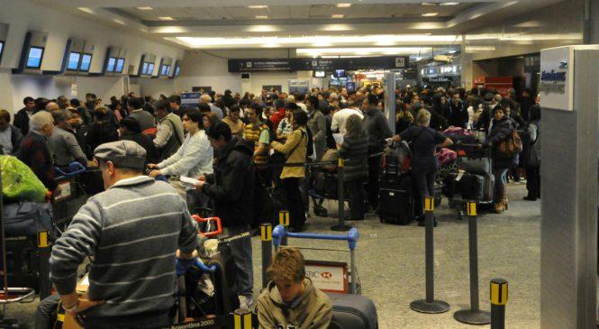 Aeronavegantes lanzan un paro total entre las fiestas por la precarización de la actividad