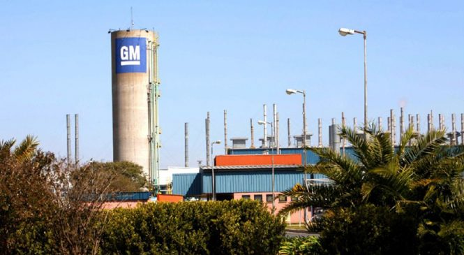 ¿Y las inversiones? General Motors forzó 150 despidos en Rosario