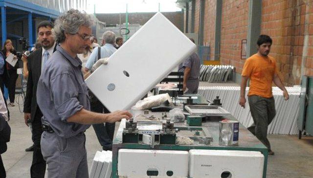 La crisis de Longvie arrastra a sus proveedores que ya pagan salarios con cheques a marzo
