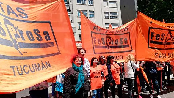 Con una movilización frente al Ministerio de Salud y Desarrollo Social, arrancó el Segundo Congreso del Movimiento por el Derecho a la Salud