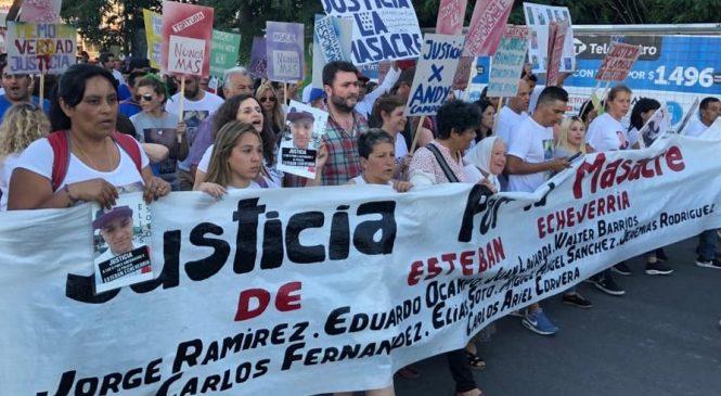 A un mes de la Masacre de Esteban Echeverría, una multitud acompañó el reclamo de justicia de los familiares