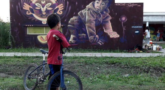 Murales por la educación pública en Moreno
