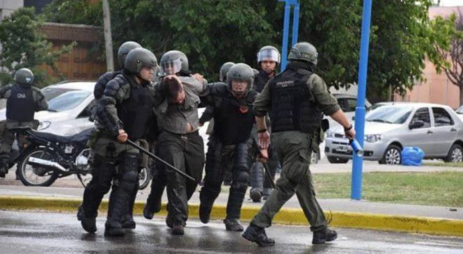 Feroz represión de Gendarmería a estudiantes y trabajadores en la Universidad de Río Negro