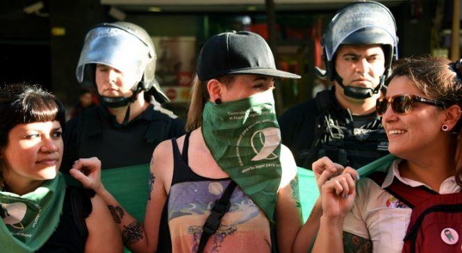 Repudio al gobierno de Jujuy frente a la casa de la provincia: No fue ILE!!