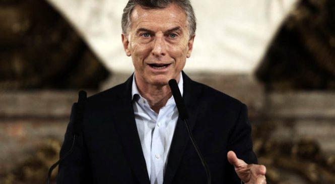 Macri decreta a favor de las telefónicas