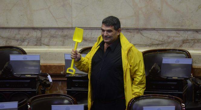 Alfredo Olmedo no paga aguinaldo, aportes ni ropa a trabajadores en sus fincas en La Rioja
