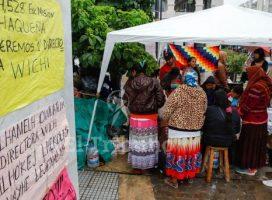 Reclamo a Urtubey: 10 días de acampe wichí por una ley de educación indígena