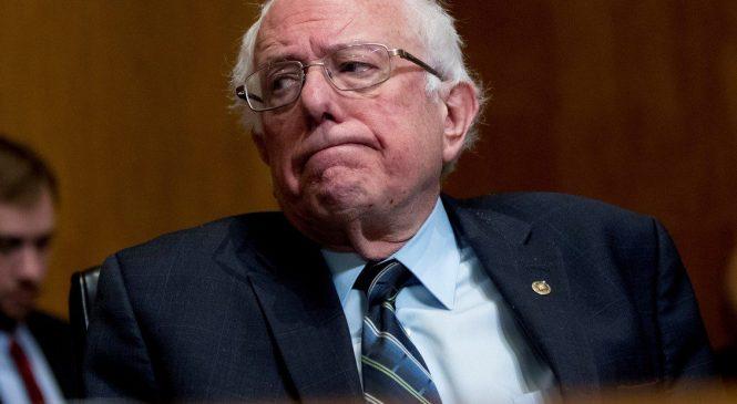 """El senador estadounidense, Bernie Sanders, pidió a Donald Trump que """"no apoye golpes"""" en Latinoamérica"""
