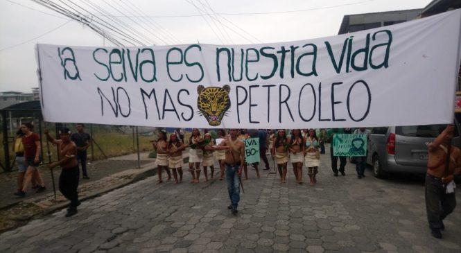 Ecuador: gran marcha del Pueblo Waorani de Pastaza contra la explotación petrolera