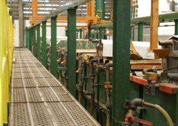 Chau industria: 7,4% más de máquinas paradas en un año