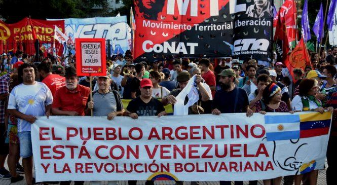 Repudiaron frente a la embajada de EE.UU la injerencia en Venezuela
