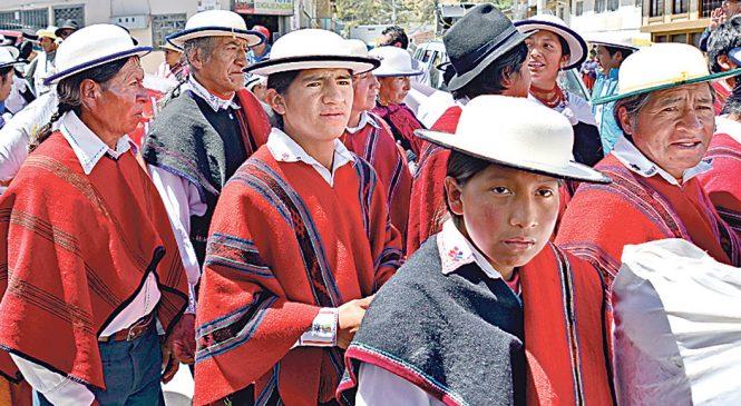 """""""El cabello largo nos identifica como indígenas"""""""