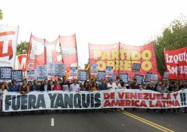 La izquierda se movilizó a la Embajada de Estados Unidos